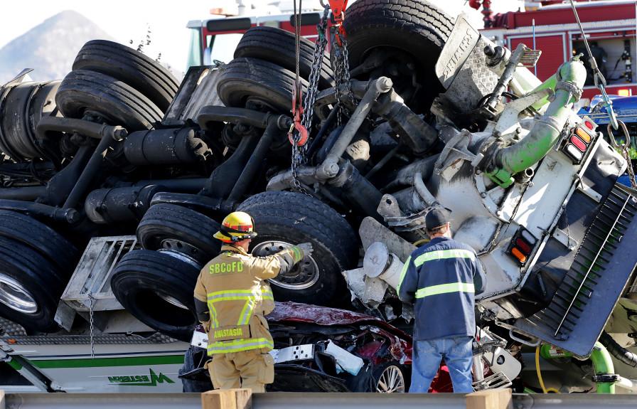 Concrete Pump Accident, 5 dead on I-10 free way in Rialto California